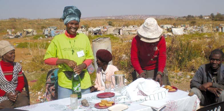 Préparatifs en vue d'une réunion sur un site de décharge à Soshanguve, Tshwane. Foto: Melanie Samson.